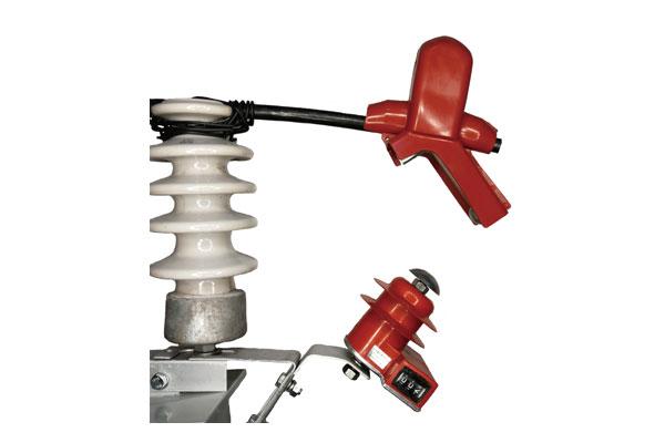 外串联间隙带计数器式过电压保护器